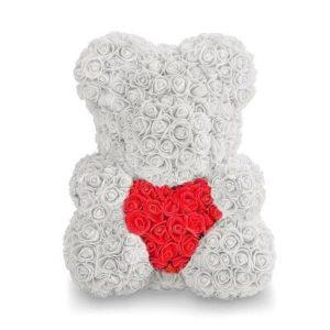 Мишка из роз с сердцем. Белый