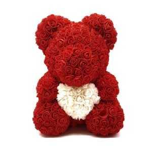 Мишка из роз с сердцем. Красный